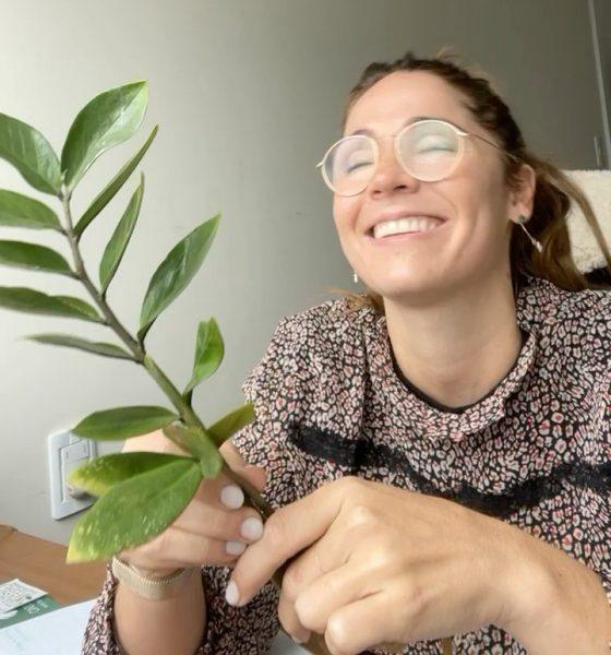Alexandra Kelly, en contacto con la naturaleza. Foto: Gentileza.