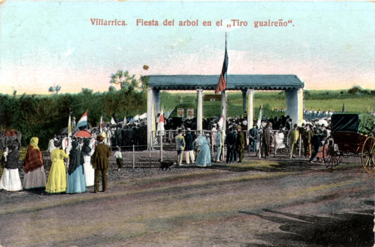 """La """"fiesta del árbol"""" en Villarrica. Archivo"""