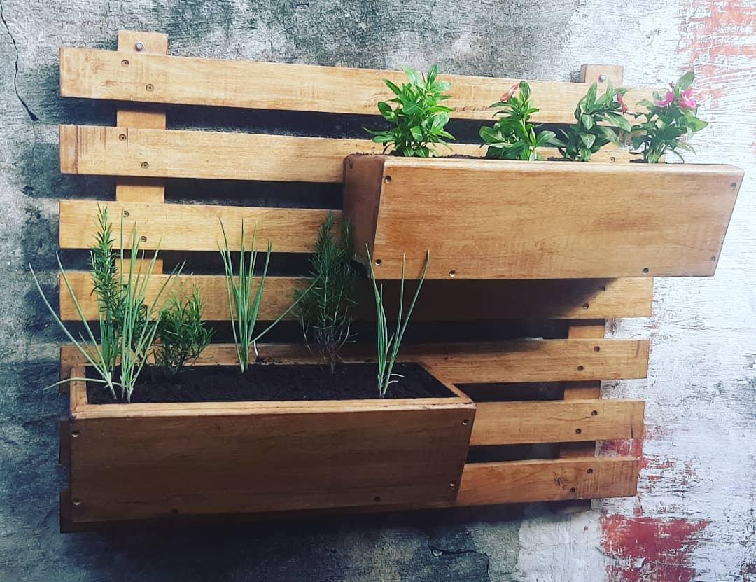 De pared, para colgar y optimizar espacios pequeños. Foto: Huerteros.