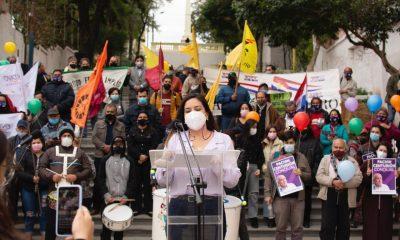 Johanna Ortega, presentación de programas políticos. (Foto Prensa Alianza Asunción para Todos).).