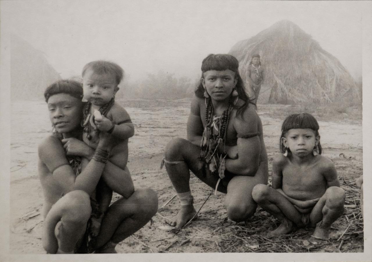 Enawenê-Nawê, Mato Grosso, fines de la década del 70. Fotografía de Bartomeu Melià. Cortesía