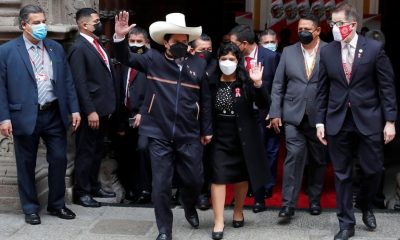 Pedro Castillo, acompañado de su familia, llega al Palacio de Gobierno para la ceremonia de Investidura en Lima. Foto: Agencia.