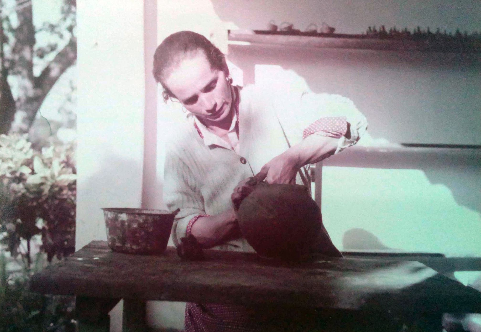 Rosa Brítez, ceramista de Itá, década de los 80. Colección CAV/Museo del Barro. Cortesía