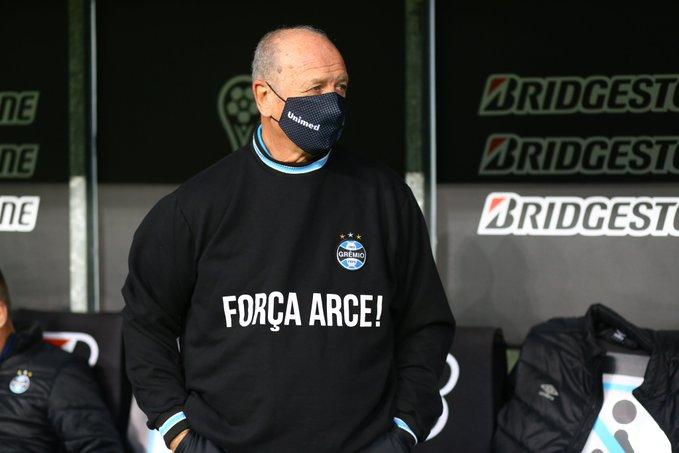 """Luiz Felipe Scolari y un mensaje para Francisco """"Chiqui"""" Arce. Foto: Gentileza."""