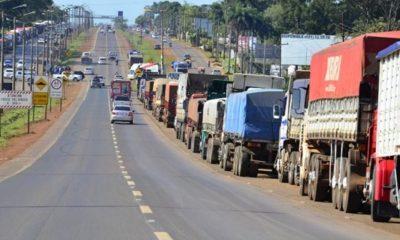 Camioneros cuando fueron a paro. (Foto Gentileza).