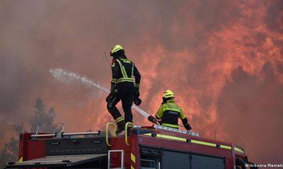 Bomberos intentan apagar incendios en Macedonia del Norte este 9 de agosto. Foto: DW.