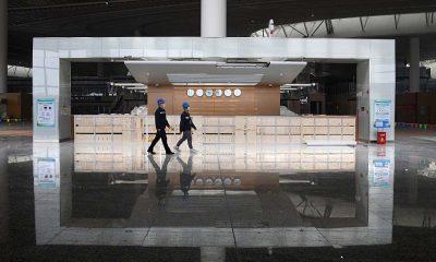 El rebrote tuvo su origen en el aeropuerto internacional de Nanjing y se extendió a 17 de las 33 provincias de China. Foto: Télam.