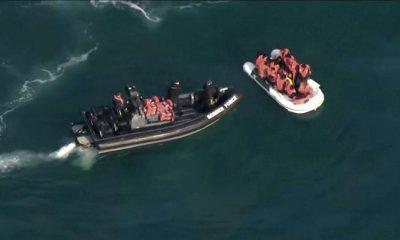Las autoridades británicas rescataron o interceptaron un total de 828 personas en 30 pequeñas embarcaciones, mientras que los franceses impidieron que 193 personas en 10 embarcaciones. Foto: Télam.