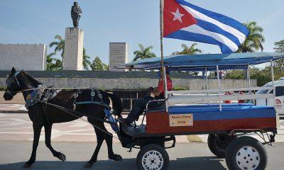 Para evitar contagios La Habana tiene suspendida la circulación de personas y vehículos desde las 21.00 hasta las 5 de la mañana. Fuente: Télam.