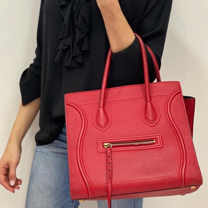 Esa cartera de lujo puede tener un romance contigo, ya es más accesible. Foto: The New Black.