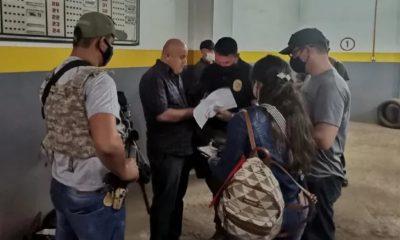 Momento de la detención del extranjero. (Foto Senad)