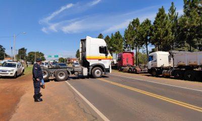 Camioneros manifestándose. (Foto Francisca Pereira),