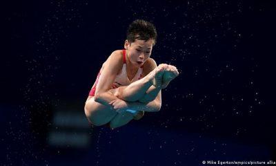 """Quan Hongchan durante un """"salto perfecto""""."""