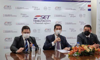Durante la conferencia de prensa. (Foto Radio Ñanduti).