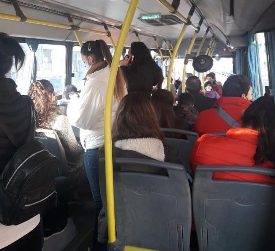 Los pasajeros son los que más sufren con esta incertidumbre. (Ilustración)
