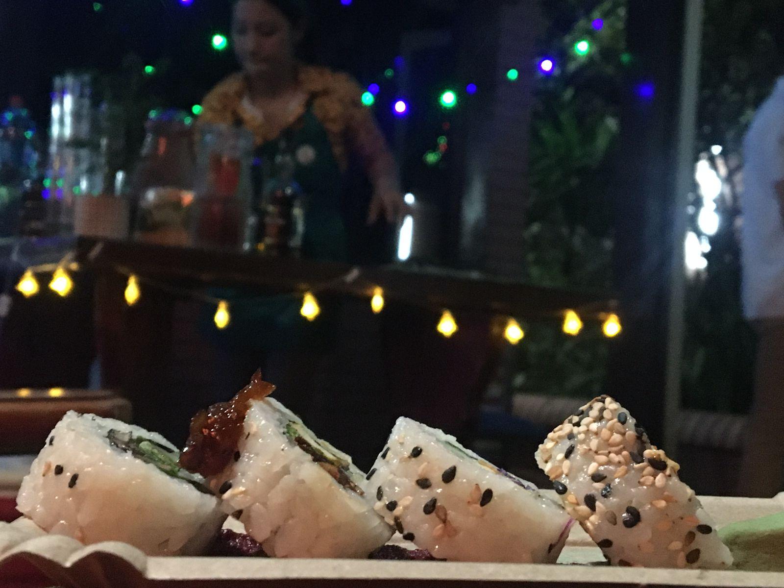 Sushi y tragos son parte de la propuesta. Foto: Natalia Santos.