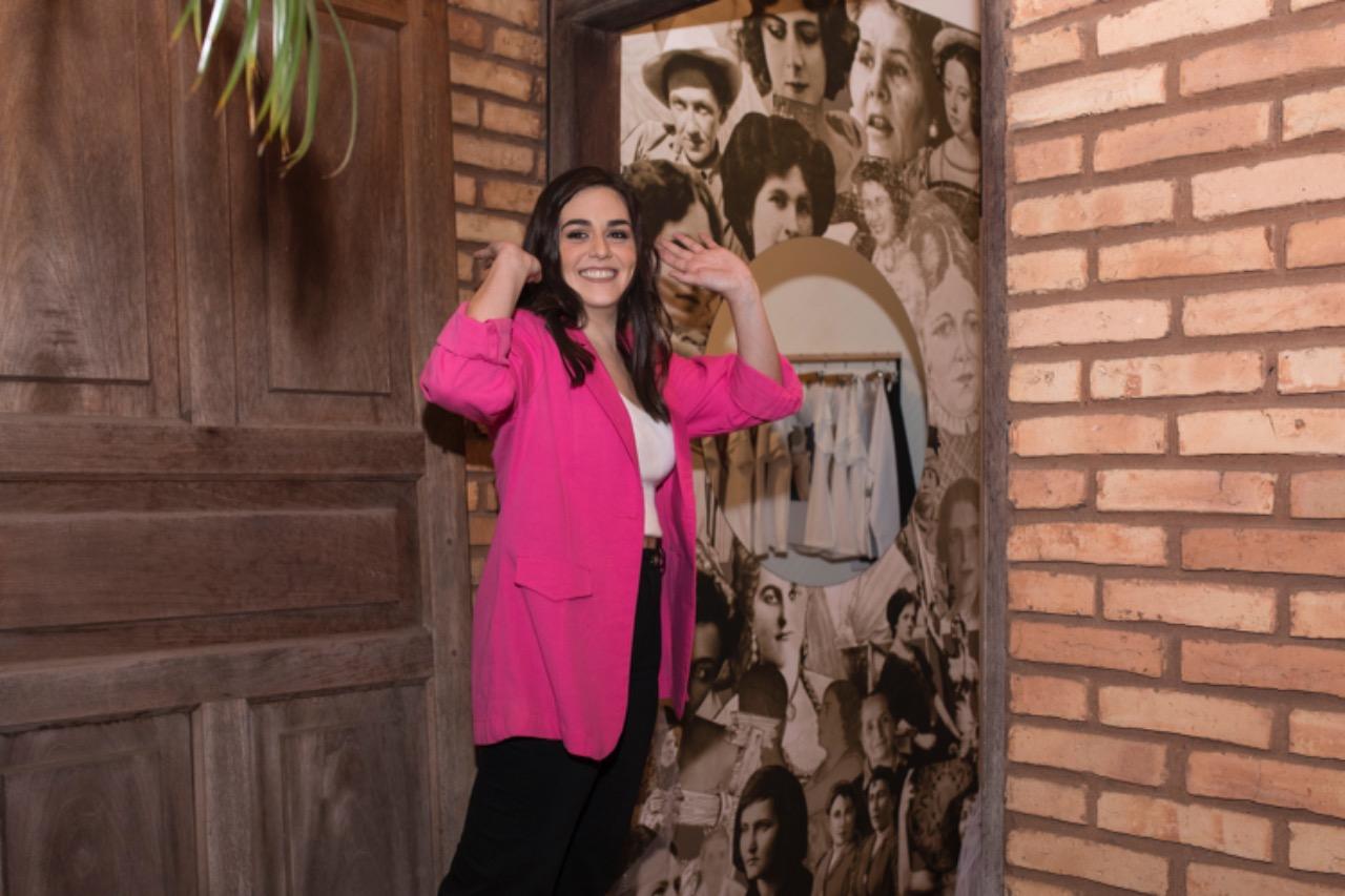 Cristina León se inspira en las mujeres que marcan la historia del Paraguay para crear. Foto: Gentileza.