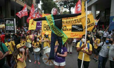 Manifestantes protestan contra gobierno de Bolsonaro en el Día de la Independencia del Brasil. Foto: Agencias..