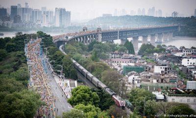 """A 100 días del inicio de los Juegos Olímpicos de Invierno de Beijing 2022los organizadores de la maratón de Wuhan anunciaron la suspensión de la carrera """"para evitar el riesgo de una propagación pandémica"""". Foto: Picture Aliance."""