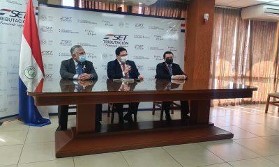 Momento de la conferencia de prensa brindada por las autoridades. (Foto SET)