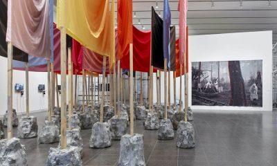 """Todo ser humano es un artista"". Ejercicios cosmopolíticos con Joseph Beuys, Kunstsammlungen Nordrhein-Westfalen, Düsseldorf, 2021.Vista de sala. Foto: Achim Kukulies"