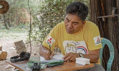 """Óscar Boabi Posoraja, traductor oficial de """"Apenas el sol"""". Cortesía"""