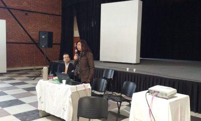 La doctora Angélica Otazú durante una disertación sobre el idioma guaraní. Foto: Gentileza.